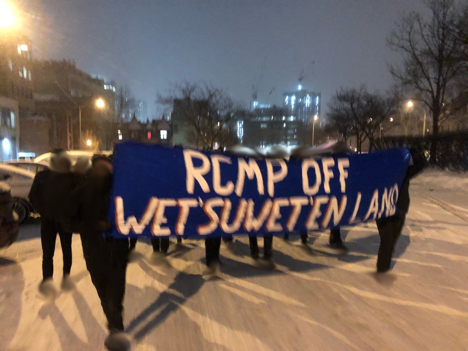 A March in Solidarity with the Wet'suwet'en Pays a Visit to the RCMP's Quebec Headquarters